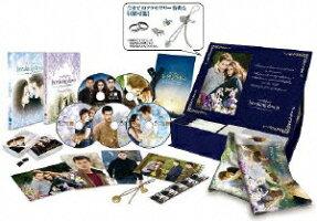 """ブレイキング・ドーン Part2/トワイライト・サーガ DVD&Blu-rayコンボコレクターズBOX microSD&『ブレイキング・ドーンPart1Extended Edition』DVD付 """"Eternal""""エディション 【1,000セット限定】【Blu-ray】"""