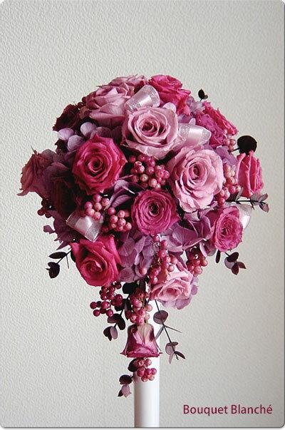 ティアドロップブーケ フランボアーズ【ウェディングブーケ】【送料無料】 甘みをおさえた濃淡のピンクとたっぷり入ったベリーがキュートなブーケ