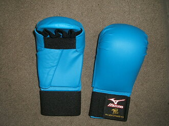 Mizuno fist supporters Blue ( all Japan karate Road Federation-test products)