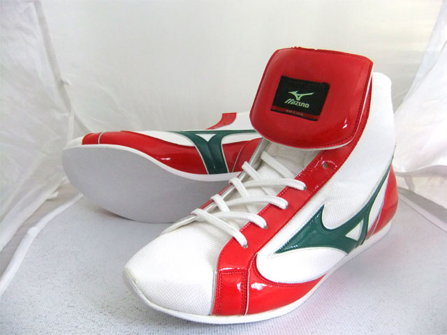 ミズノショート boxing shoes ( White x green / red ) ランバードロゴ on original shoe bag with (boxing supplies & ring shoes)