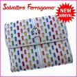 【送料無料】 サルヴァトーレフェラガモ Salvatore Ferragamo Wホック財布 二つ折り メンズ可 カラーライン入り ガンチーニベルト ホワイト×シルバー系 レザー (あす楽対応) 【中古】 J7541