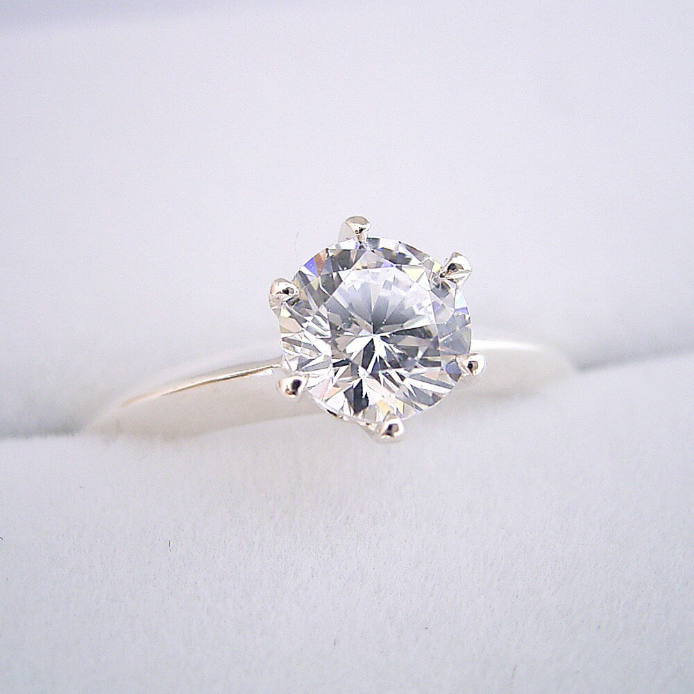 【婚約指輪】ダイヤモンド【1ct】1カラット【エンゲージリング】ティファニー【ブライダル】受注生産品【1カラット版:どの指輪のデザインとも違う、6本爪ティファニーセッティングタイプの婚約指輪】Gカラー・VS1クラス・Goodカット【宝石鑑定書付き】