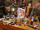 ピンナップガールのアートステッカー(Filler's Up) ■ 自分仕様だから愛着も強くなる! 人気のアメリカ雑貨屋 ステッカー アメリカン雑貨 車 バイク スーツケース デカール シール オリジナル アルファベット アメリカ 雑貨 ロゴ ヘルメット