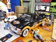 ショッピングハーレーダビッドソン 1999年フォード・F350スーパーデューティーピックアップ(ハーレーダビッドソン仕様)のダイキャストモデルカー 1/27スケール(1936年ナックルヘッド付き)/ ブラック/オレンジ ■ ミニカー アメ車 アメリカ雑貨 アメリカン雑貨 アメリカ 雑貨 小物 モデルカー 正規品