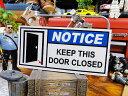 U.S.パブリックサインステッカー(ドアは閉めておいてください) ■ 自分仕様だから愛着も強くなる! こだわり派が夢中になる人気のアメ..
