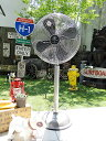パッと見て伝わってくるレトロ感、まるでアンティーク扇風機です!