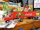 コカ コーラ ホリデーキャラバンのトレーラーのダイキャストモデルカー 1/43スケール ■ コカコーラグッズ ミニカー 雑貨 グッズ ブランド Coca-Cola アメリカ雑貨 アメリカン雑貨 アメ車 コーラ 置物 インテリア おしゃれ 人気 小物