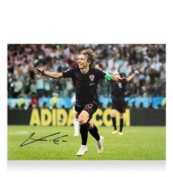 <strong>ルカ・モドリッチ</strong> 直筆サインフォト クロアチア代表 2018 FIFA ワールドカップ ゴール vs アルゼンチン (Luka Modric Signed Croatia Photo___ 2018 FIFA World Cup Goal vs Argentina) 2/14入荷!