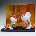 瀬戸焼錦彩招福酉陶器の置物(尾長松竹梅・夫婦)【鶏、にわとり、ニワトリ/干支/インテリア/正月/縁起物】