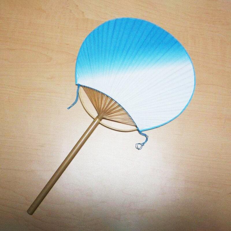 丸竹うちわ小丸サイズ ナナメぼかし(青色)