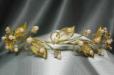 アイボリーパールの繊細なゴールドティアラ
