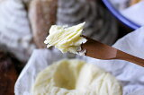 【送料1,296、北陸・中部以西は1,430、沖縄2,380】手作りチーズ工房・アドナイ無塩発酵プレミアムバター(200g)