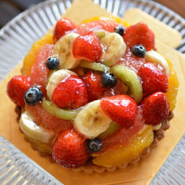 フルーツタルト5号サイズ   ウエディング,バースデーケーキ,お祝い事...心を込めた贈り物に