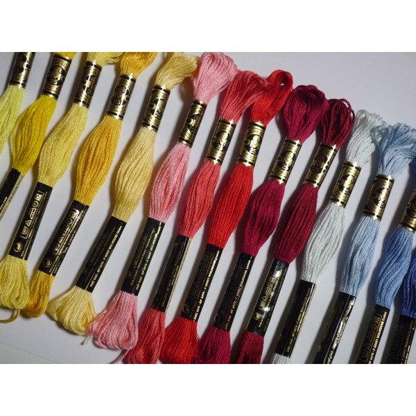 DMC25番刺繍糸 300番〜327番の写真