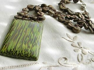 Wood necklace of the clean green and prophecy by planchette brown, personality group