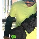 ASOS DESIGN ネオンブランド マルチポケット付き ブラック クロス ボディ バム バッグ 20代 30代 40代 ファッション コーディネート  オシャレ トレンド インポート トレンド