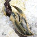 ショッピングマンモス ハワイアンジュエリー ボーンカービング フィッシュフック ネックレス マンモス 牙 化石 リバーシブル 釣り針 ペンダント メンズ レディース bon097