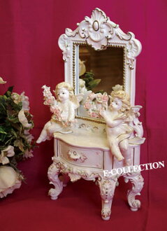 5千 Yen though ♪ I re-stocked Rococo Angel miniature Dresser