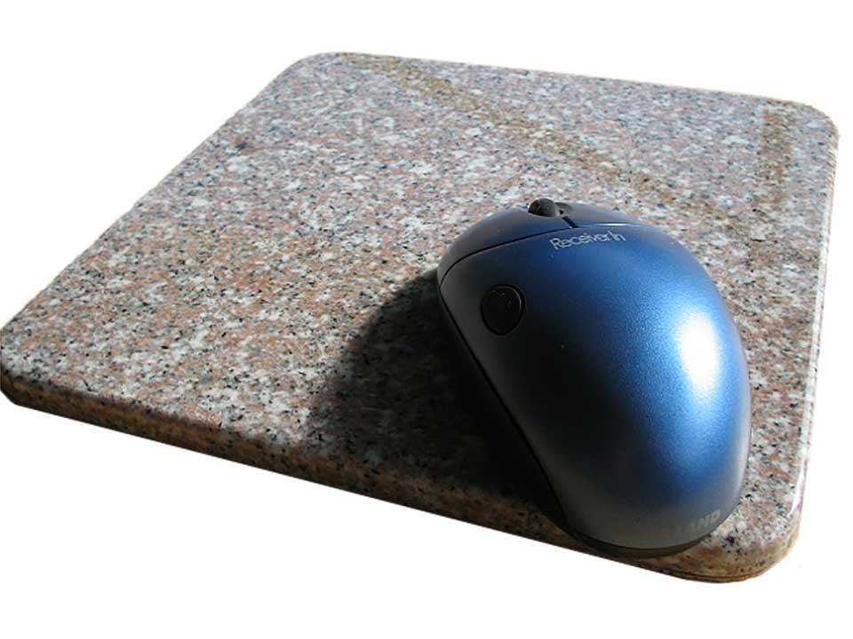 天然御影石のマウスパッド人気の桜色御影石♪裏面コルク張り