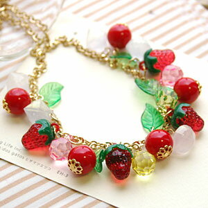 Have a sweet strawberry! The ◆ Jerry fruit necklace which I finished in a kitschy motif such as the jelly in ボリューミー