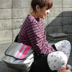 1,366 Pieces sold out! Add a new color! Not satisfied with it's just so cool! Sporty, functional ユニセックスメッセン Messenger bag appeared ◆ スライダーメッセン Messenger bag
