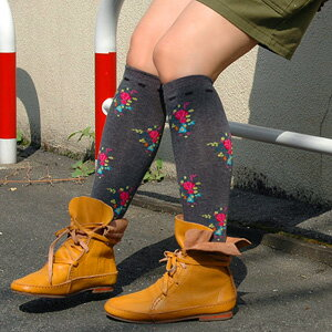 "2,443 pairs are sold out! The popular high sox of the リピ buying series that I am pretty and am warm and am easy to wear! Our store which becomes オーバニーソックス if grow it, and wear it ""super"" of the longtime seller girly socks ◆ love Lee floral desi"