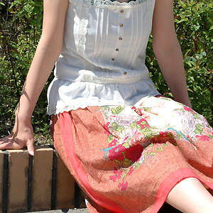 A lot of mark dignity ◆ afternoon flower frame skirts European a nostalgic flower motif