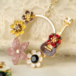 I get on the sea breeze and hear a melody, and will be suitable! Necklace ◆ フルールギターペンダント which is a sweet lock