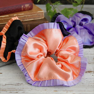 Pleats put carefully are pretty, and the chou chou of 2 colors that let fascinating sweetness be fragrant touches the hair accessories giving off soft luster such as ◎ satin bordering on the wrist; and is OK ◆ pleats frill satin chou chou in a substitute