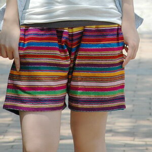 The unisex half underwear from Guatemala of 100% of cotton which a colorful thread was interwoven in! Is casual with a pattern of the folkishness; relaxedly the design of short pants GOOD ◆ ARTESANIA (アルテサニア): Draw string short pants