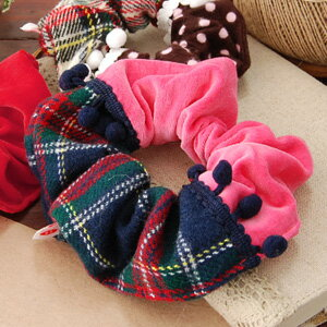 "The chou chou that a quality of child of the woman stands out! Daikanyama ""Carly collection"" original warm hair accessories ◆ Curly Collection that the tartan checked pattern & velour subject matter was put together: Chou chou [plonk a tartan check]"