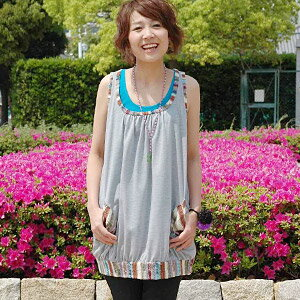 Accent color is attractive! Even one piece enjoys even wearing clothes one over another by the ethnic flavor tunic various arrangement which I can enjoy and is distinguished for the affinity with ♪ longish accessories! ◆Colorful ethnic no sleeve tunic