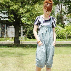 The relaxedly odd length overall which creates the atmosphere that a fresh combination of ゆる bottoms X salopette got better! ◆ natuRAL vintage (natural vintage) excellent at comfort in a thin denim material: Girls light denim salopette