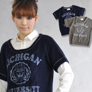ON ♪ neck and the stitch of the cuffs are old clothes style preppy knitwears of the accent the paint-like college print which a dolman sleeve sweater of the cable knitting was able to graze! / pull