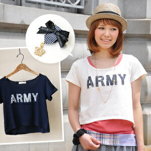 "The berry shortstop length that is distinguished for the affinity with the one piece! The short-sleeved logo cut-and-sew ♪ crown charm of the vintage-like ""ARMY"" print which was able to graze gets on; is the ARMY heme arch shortstop T-shirt with the / crown / broach / dwarf Tee ◆ ribbon badge with the model badge boom"