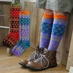 "The socks of Indian traditional ""バグル pattern"" to let a step create gaiety with the atmosphere that is ethnic. There is little feeling of arrival at just ♪ pressure in OUTDOOR-style by various colors and the horizontal stripe change of the design; wear; feeling ◆ バグルハイソックス"