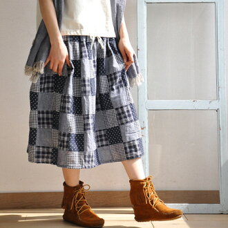 Easy specifications of a silhouette and the waist rubber are ◎ / care of length / knee bottom length ◆ curan key patchwork midiskirts the midi length that is the girly item ♪ Shin pull for adult women made of the patchwork cloth of the same tone softly