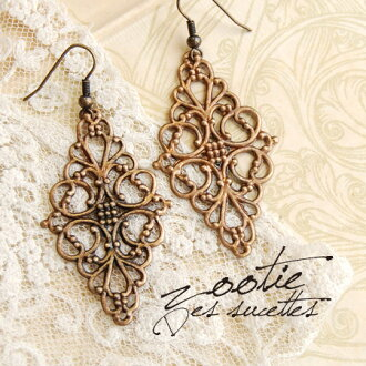 A diamond type motif to draw with a gentle curve. The delicate, refined antiqued plate pierced earrings which do not lose for a race either. / ear accessories ◆ Zootie (zoo tea): Antique metal race hook pierced earrings [orchid bus]