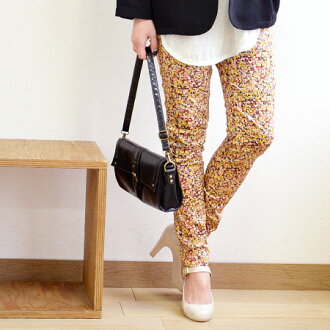 Flower print leggings pants decorated with fake details show the pants. Boasting excellent elastic ankle and secure fit! And women's skinny and stretch pants レギパン, パギンス ◆ put leggings pants [キャンバスフラワー]