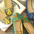 甲を飾るフリンジがアクセント。甲がすっきり開いた、華奢な足元を演出するラウンドトゥパンプス ぺたんこ靴 ヒョウ柄 豹柄 婦人靴 フラットシューズ◆zootie(ズーティー):バイカラータッセルフラットパンプス