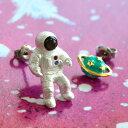 待望の「イヤリング」Ver.が追加です!ユニークなリアル宇宙飛行士ピアス。