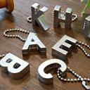 楽天ランキング入賞!1,485個完売!長く愛されているのにはワケがある!ジッタの重みのあるしっかりとしたスチール製のアルファベットチャームは存在感たっぷり♪シンプルなシルバーカラーだからキーホルダーやネックレスなどにアレンジし放題◆Jitta:アルファベットキーチャーム[A-M]