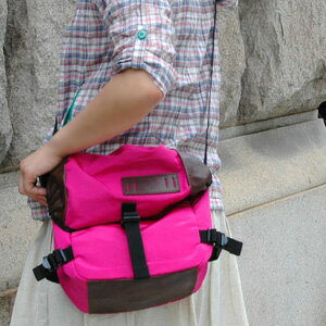 The shoulder bag is good to the accent of coordinates at the bias that is a candy color! The ◆ climbing mini-messenger bag that the bag of the durable grosgrain nylon which becomes both a shoulder and the bum-bag if I regulate a belt is unmissable