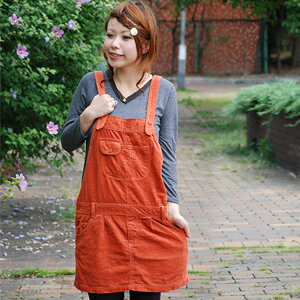 A big pocket and coloring warm are the corduroy salopette of the decisive factor! Cute girly item ◆ w closet which I can regulate the casual degree perfect score & suspender, and becomes the basic item in the fall and winter: Casual corduroy salopette