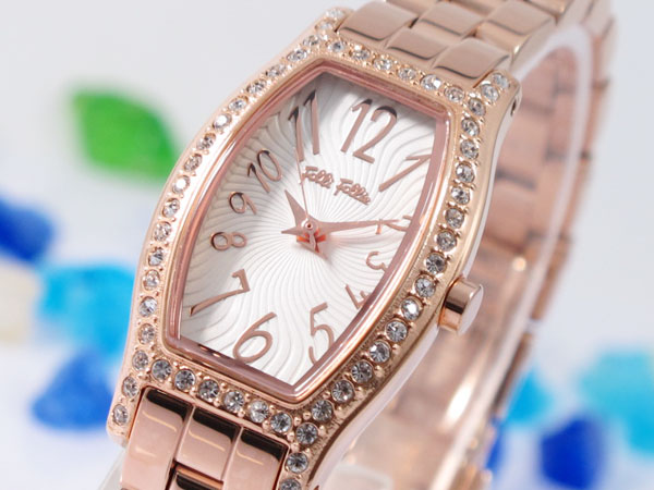 レビュー投稿で次回使える2000円クーポン全員にプレゼント 直送 フォリフォリ FOLLI FOLLIE 腕時計 WF8B026BPS 【腕時計 海外インポート品】 こちらはショップレビュー5点満点中4.2超えのショップとなります。
