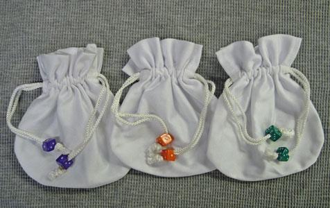 ◎【伸びる袋】不思議な袋*サイコロ・ホワイト*SS[約12cm×12cm]