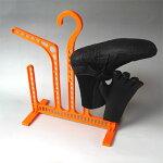乾きづらいアイテムを整理!「ブーツとグローブ掛けるくん」 20061027祭10