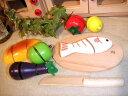 [ダイワ]木箱入り食材・包丁・まな板のセットA〜ミニキッチンにぴったりサイズのおままごとシリーズ。