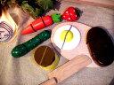 [ダイワ]木箱入り食材・包丁・まな板のセットB〜ミニキッチンにぴったりサイズのおままごとシリーズ。