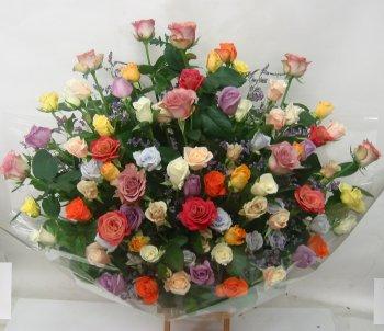 薔薇100本の色ミックスアレンジ